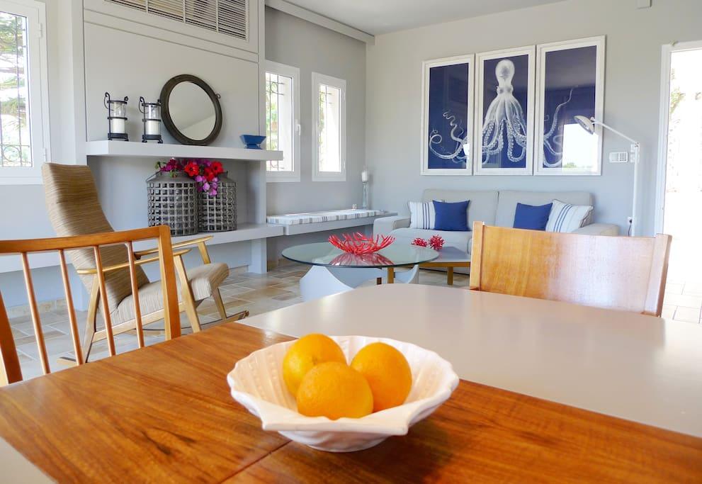 Level 2_ Living Room