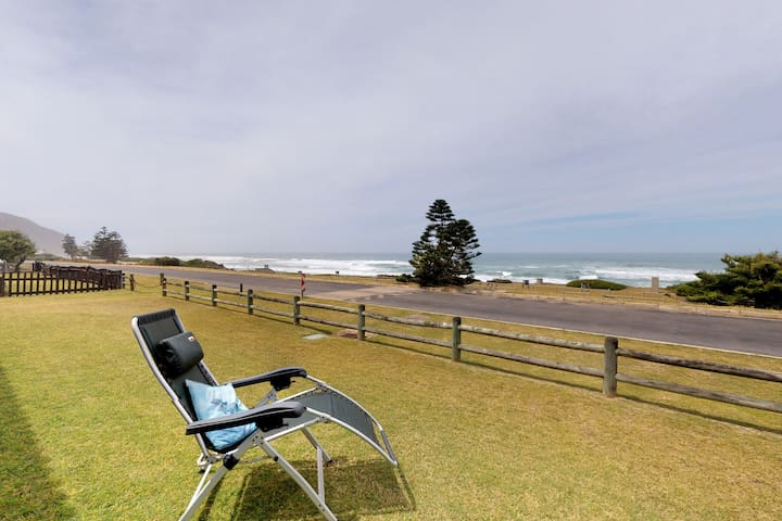 Oceanfront family home with private garden, BBQ and cable TV