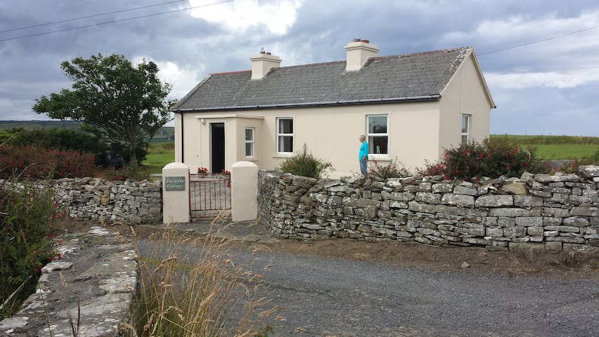 """Fuchsia Cottage"" Carrowtrasna,Kilcummin, Killala"