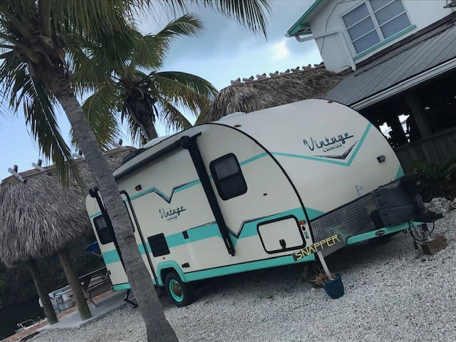 "RV on the water sleeps 2 ""Snapper"""