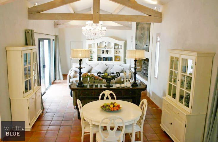 Villa Alaya - Fully Staffed Luxury Villa - La Mole - Villa