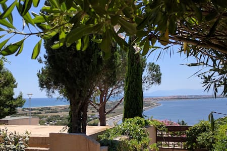 Vue panoramique et confort à Leucate plage - Huis