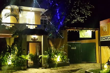 Cycling Hostel, Unawatuna, GALLE