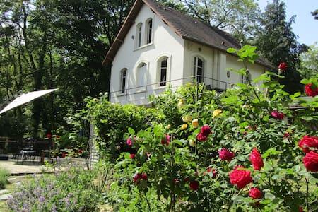 Maison 1930 dans le Parc du Vexin.