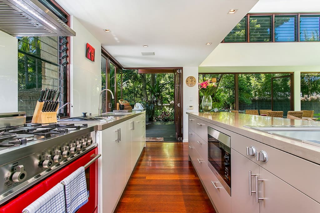 Chef's kitchen - teppanyaki plate, steamer, gas burner