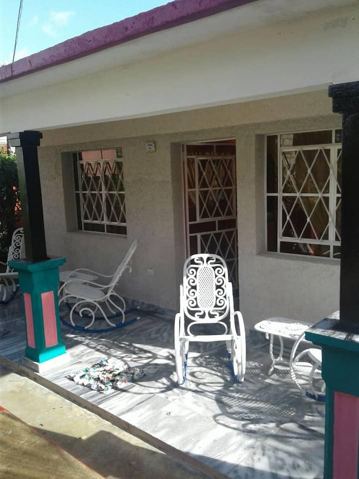 Villa el Mamey (Mary y Gollo) ROOM 2 & Wifi