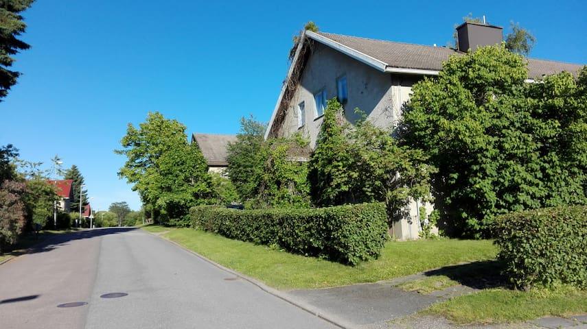 Paritalon pääty vanhan Rauman kupeessa - Rauma - Wohnung