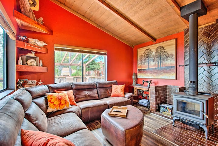 NEW! Peaceful Mtn Retreat ~9 Miles to Shaver Lake