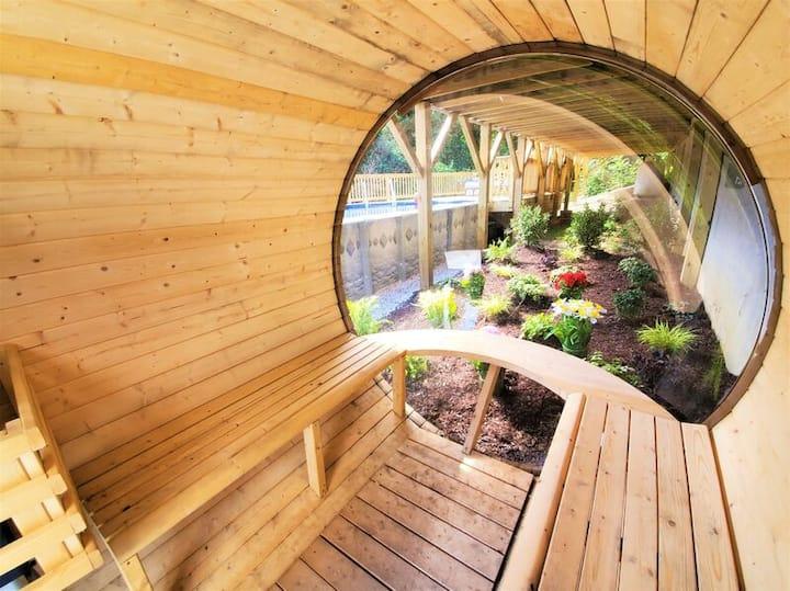 HP - Private Pool/ Sauna/ Hot tub/ VIEW/ Renovated/ Handicap Accessible