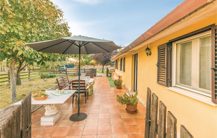Holiday cottage with 3 bedrooms on 80m² in Vasto CH