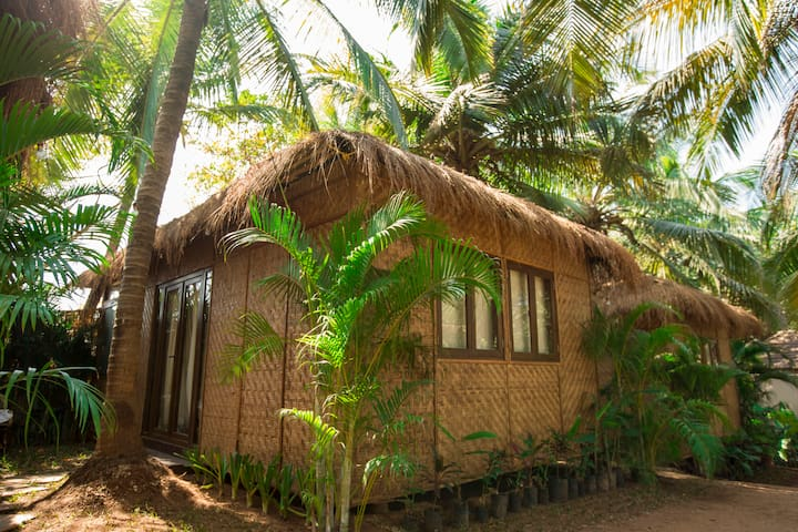 Anahata villas on Ashvem Beach