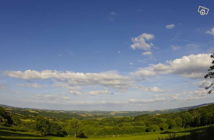 la ferme de Gouzinat - Saint-Gervais-d'Auvergne - Maison