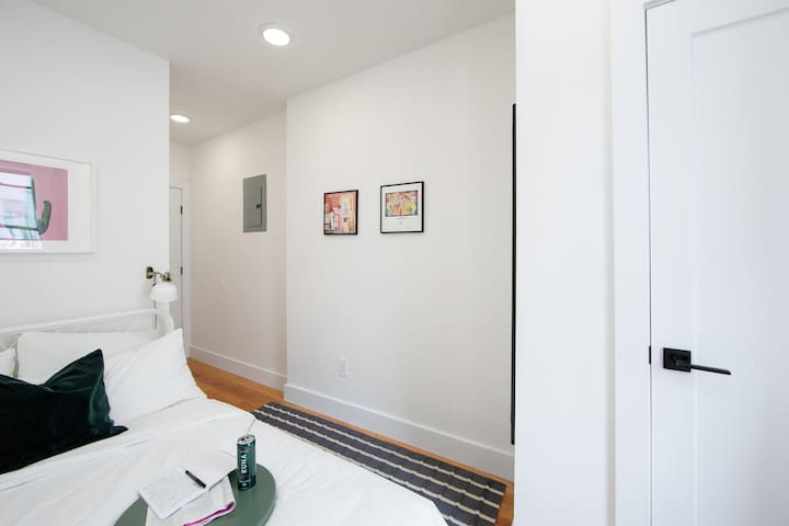 Bright private BR in Harlem 350 Lenox Ave 4S-3
