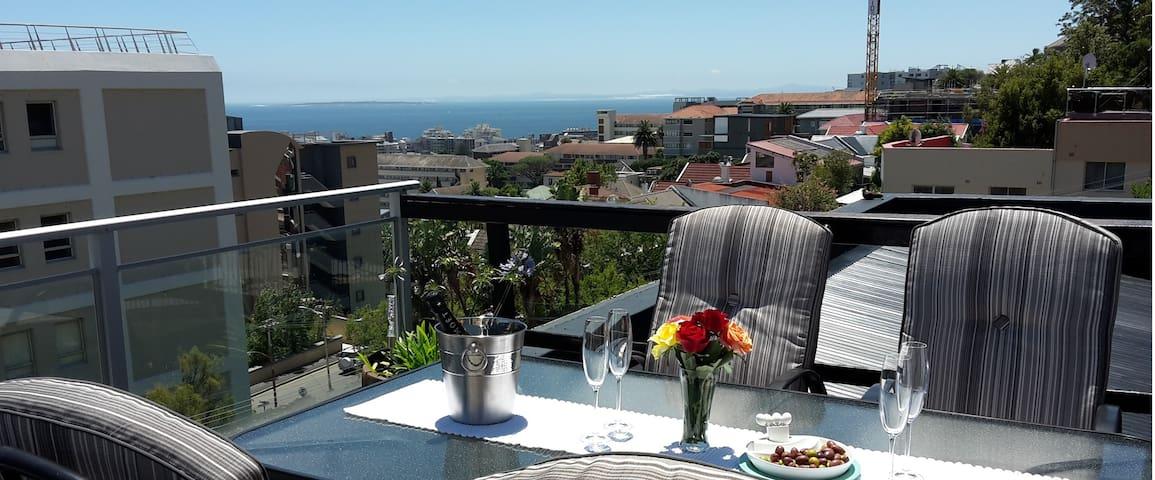 Ensuite on Marseilles - Cape Town - Leilighet