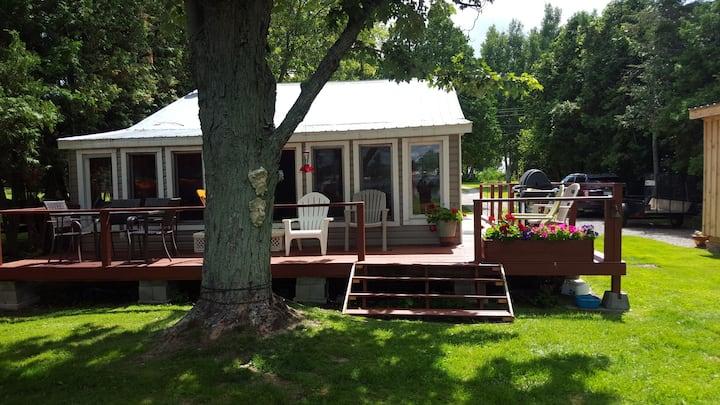 Merrickville Waterfront Cottage