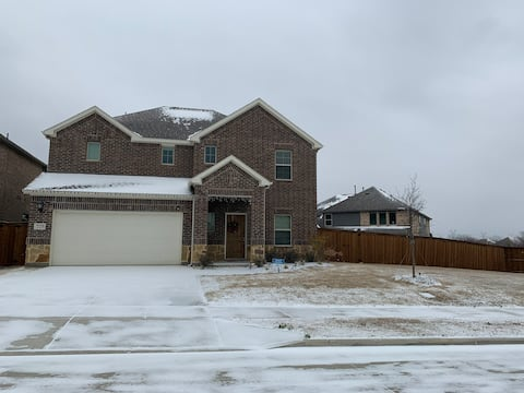 Gorgeous House! Minutes to downtown! Close to I-35