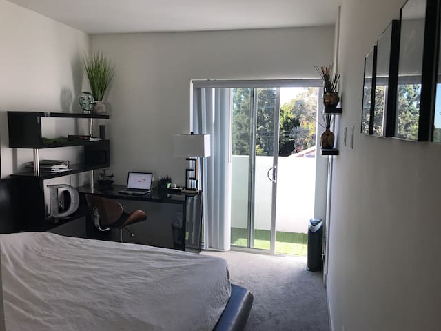 Cozy Room in the perfect location! - Los Angeles - Apartment