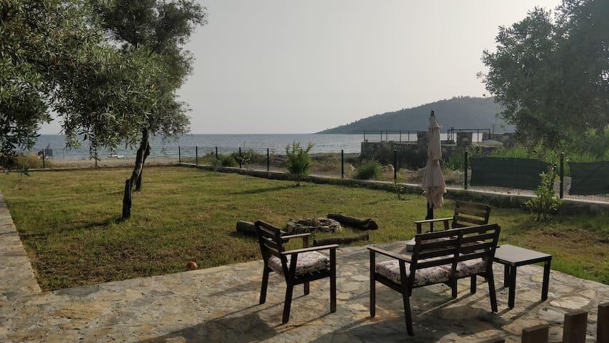 Denize SIFIR, özel iskele, 1 dönüm arsada Villa