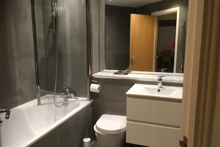 NW London Double bedroom with new luxury en suite