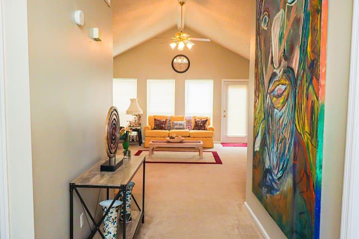 Cozy beautiful home 3 bedroom & 3 baths