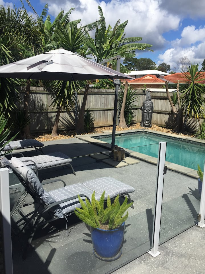 Central Gold Coast location, close to airport.