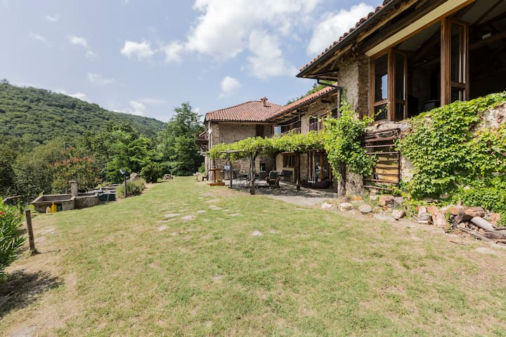 Magical Farm House to Re-energise - Main House