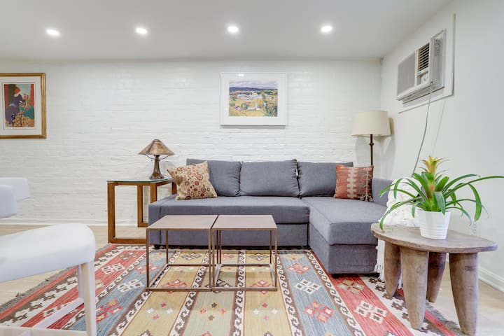 Sojourn on The Hill | A Modern 1 Bedroom