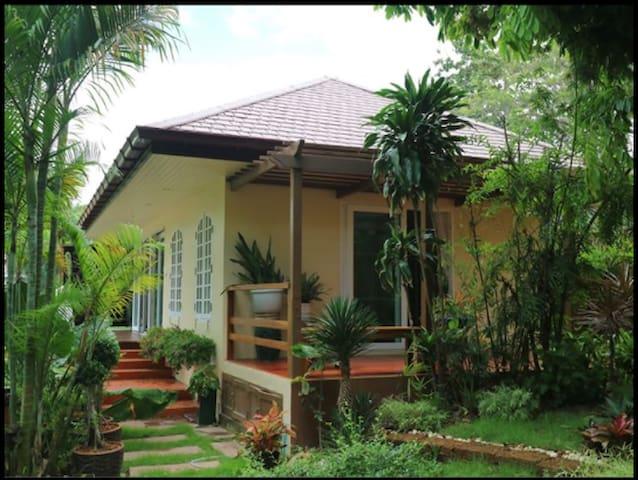 A Beach Guest House, Aou Kai, Rayong