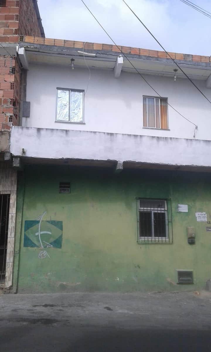 Casa de aluguel perto do trem 7 minutos