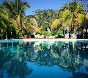 hermosa finca de descanso con piscina en doradal. - Doradal - ที่พักธรรมชาติ
