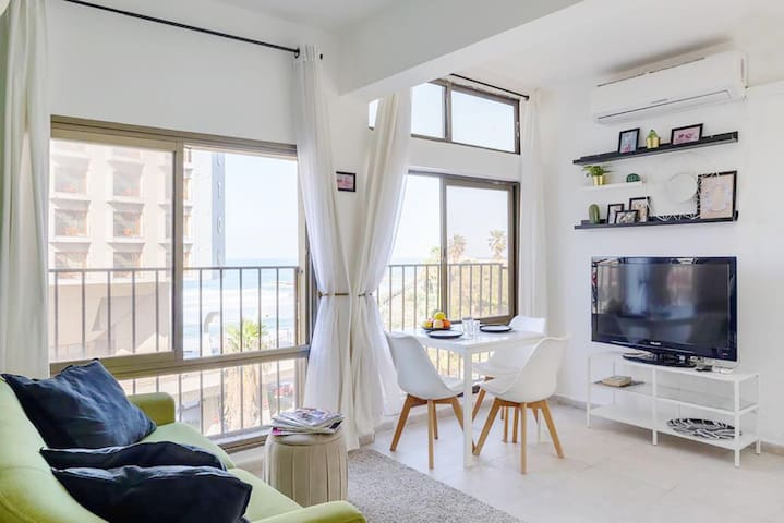 Sea View 2 bedroom Apartment Tel Aviv Hayarkon
