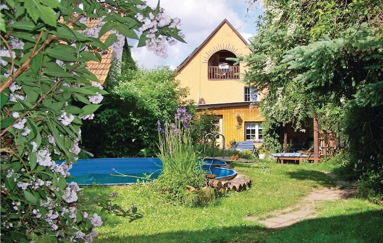 Holiday cottage with 5 bedrooms on 195 m² in Bad Blankenburg OT Cor