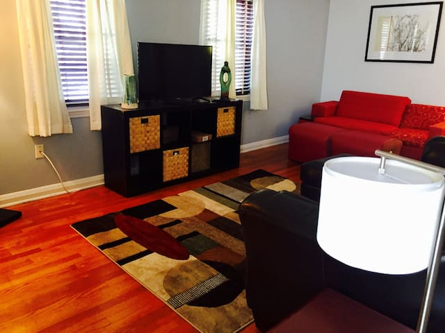 Baltimore Luxury Suite w Kitchen 8 min from Harbor - Baltimore - Apartament