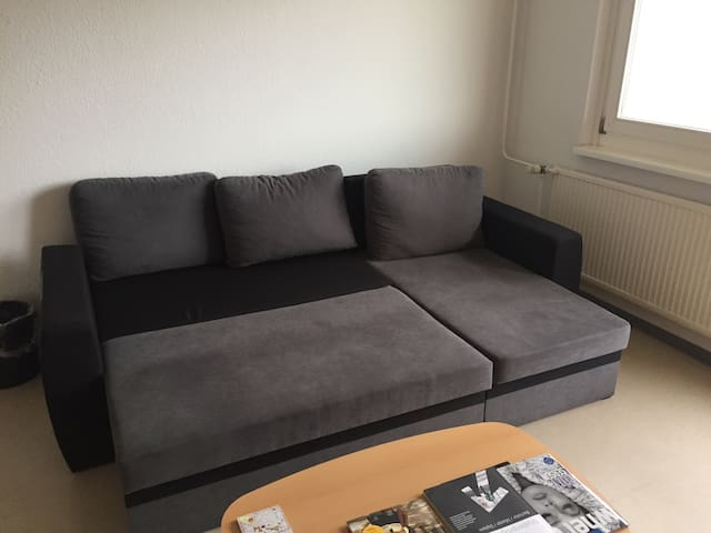 Cozy couch up for grabs - Berlin