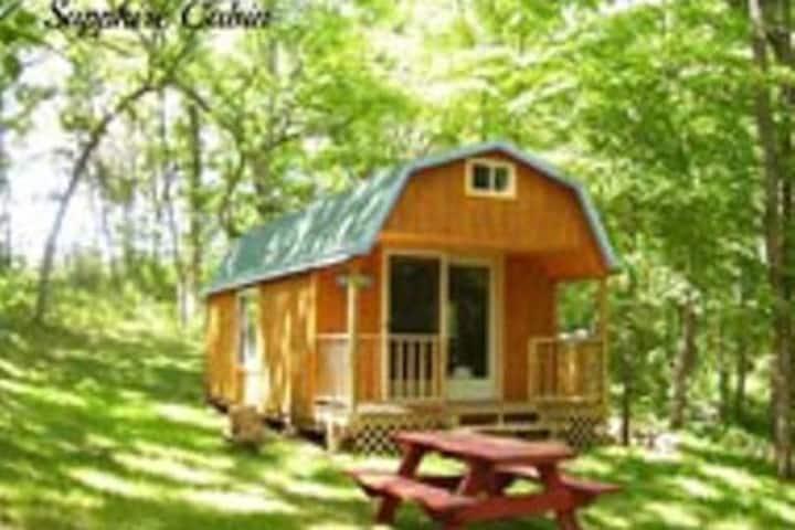 Stone Light Retreat - Sapphire Cabin