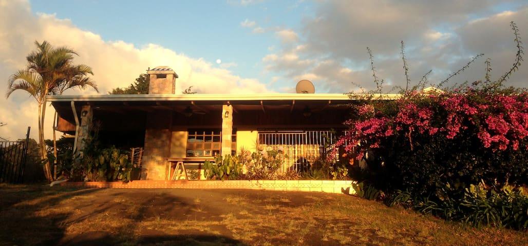 Costa Rica Garden Home - Heredia Province - Huis