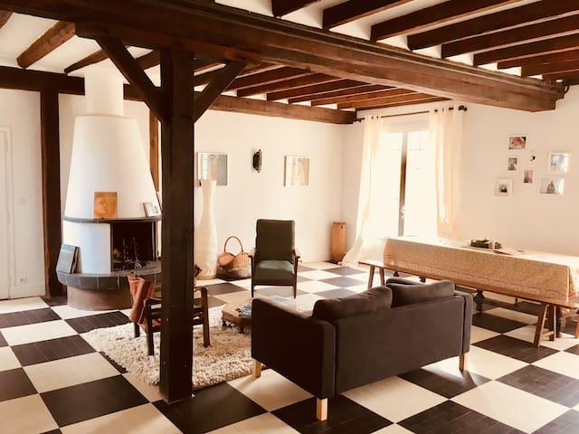 Grande maison de campagne: 10' d'Orleans, 5' Loire