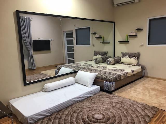 Premium Room at Arrayan Paviliun (Guest House)