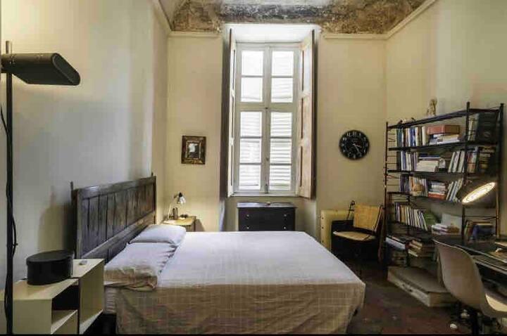 Grande Camera Privata Appartamento Centro Storico