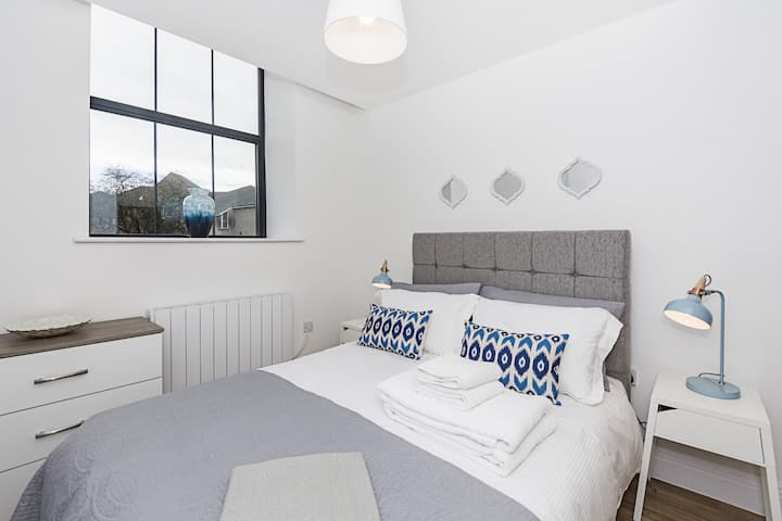 Contemporary 1-bedroom Apartment in the heart of Colchester