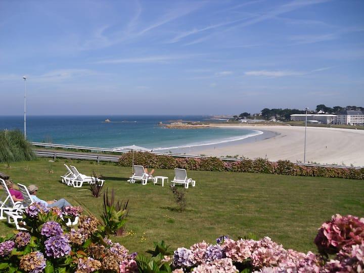 rez de jardin 7 pers vue sur plage, piscine