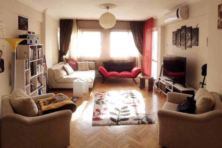 Close to Bostanlı and Metro, Comfortable & Clean