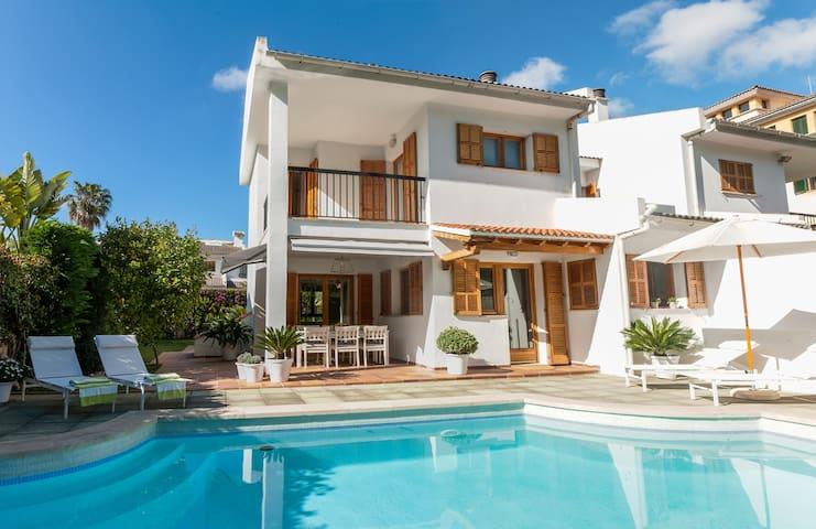 Semi detached Villa in Palma city Private Pool - Palma - Huis