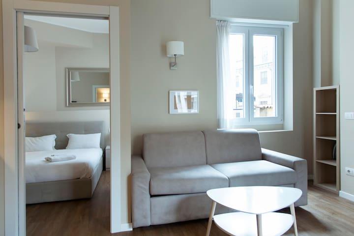 Duomo Deluxe Apartment