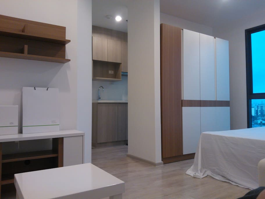 Bedroom, Living, Dining, Modern Kitchen, Tempered Glass wall: Water Closet and 270° Private balcony of Sky Train view.