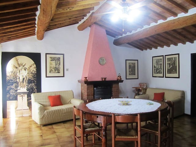 Tuscany farmhouse with pool: 10 beds apartment - Roccastrada - Pis