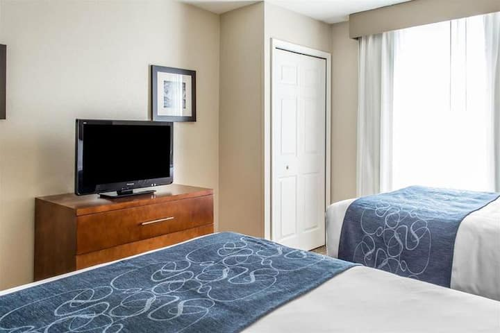 Cozy Suite Two Double Beds At Woodbridge