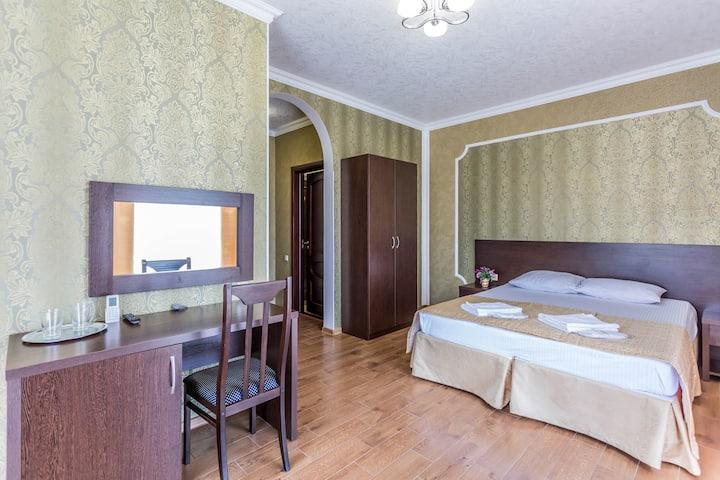 """Гостевой дом """"Buta"""". Полулюкс с балконом"""