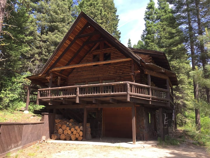 Fun and spacious log cabin for families