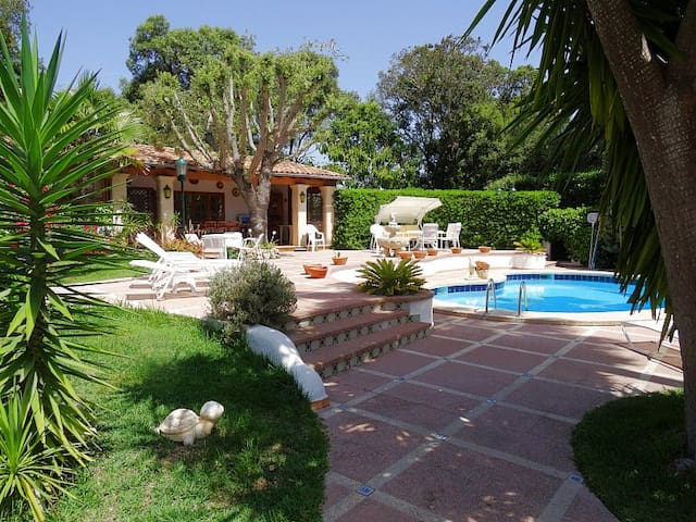 Beautyfull house with pool and garden in Canyamel - Canyamel - Huis